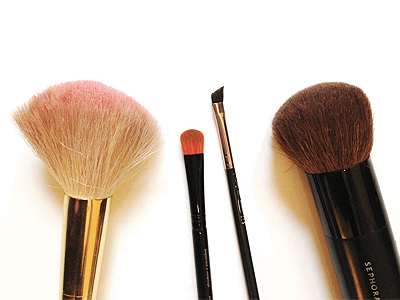 How To Clean Your Makeup Brushes - Tessa's Homemade